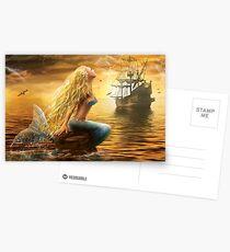Schöne Fantasie-Meerjungfrau mit Schiff am Sonnenunterganghintergrund Postkarten