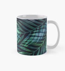 Dunkelgrüne Palmen Blätter Muster Tasse