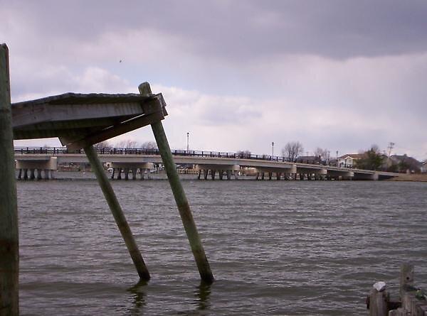 Sittin on the dock of the bay... by blaze101