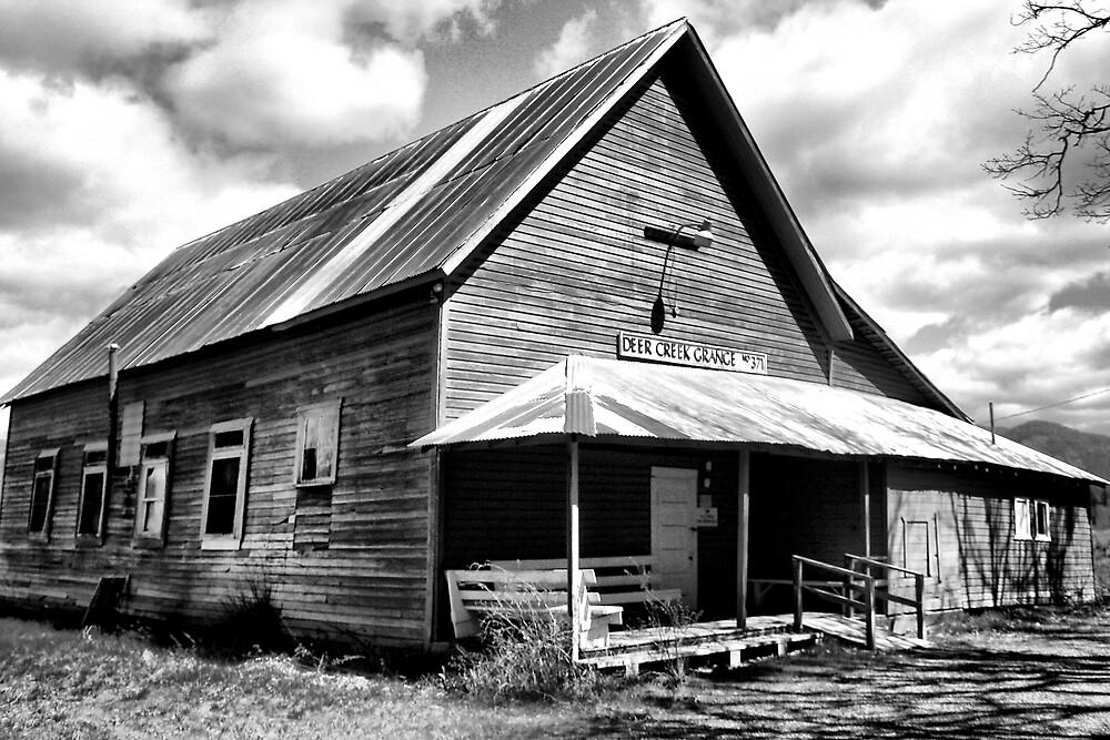 Deer Creek Grange Hall by Stephen  Van Tuyl