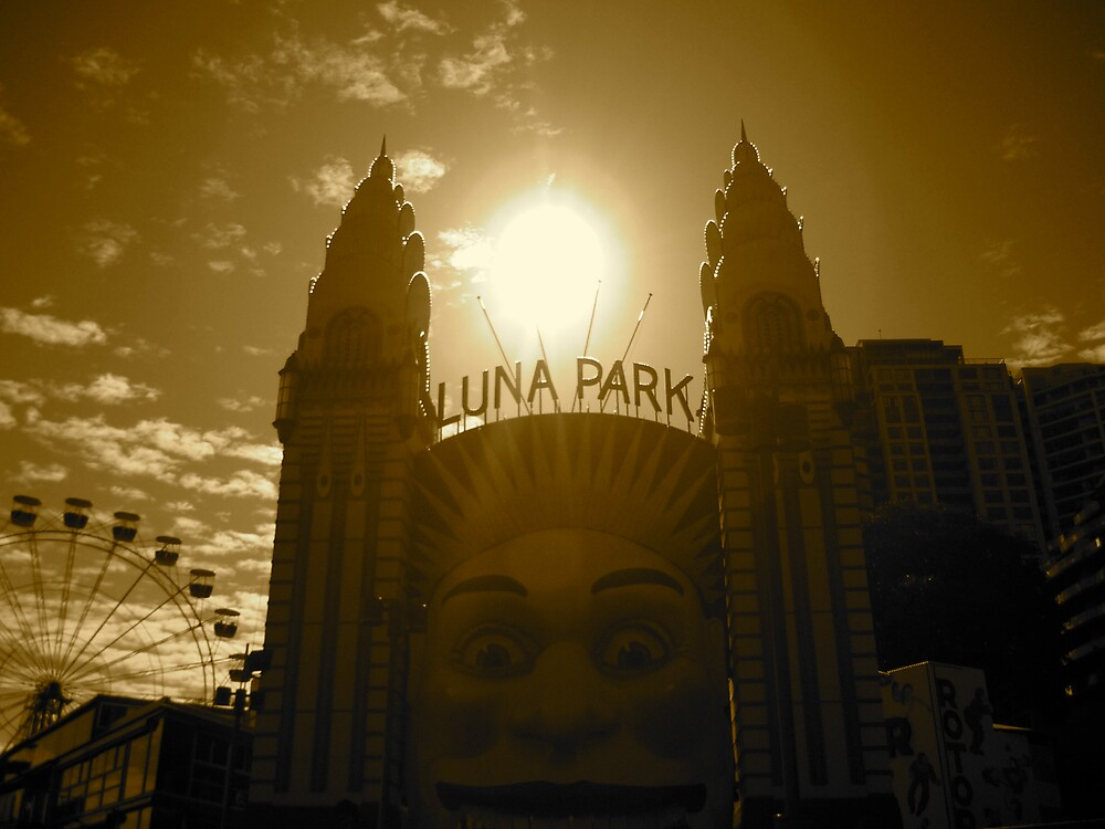 luna park by jonnywalker