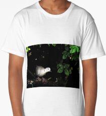 Collar dove peeks from hedge Long T-Shirt