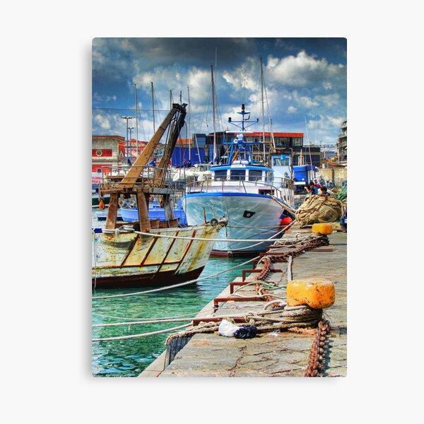 Barche ormeggiate al porto Canvas Print