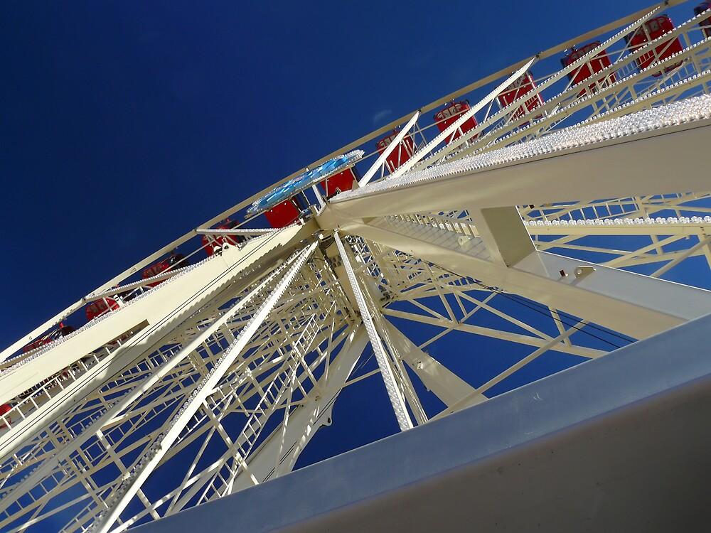Ferris Wheel by Daniel Peut