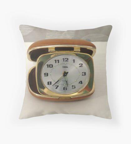 Tick oder nicht Tick? Vintage Reiseuhr Kissen