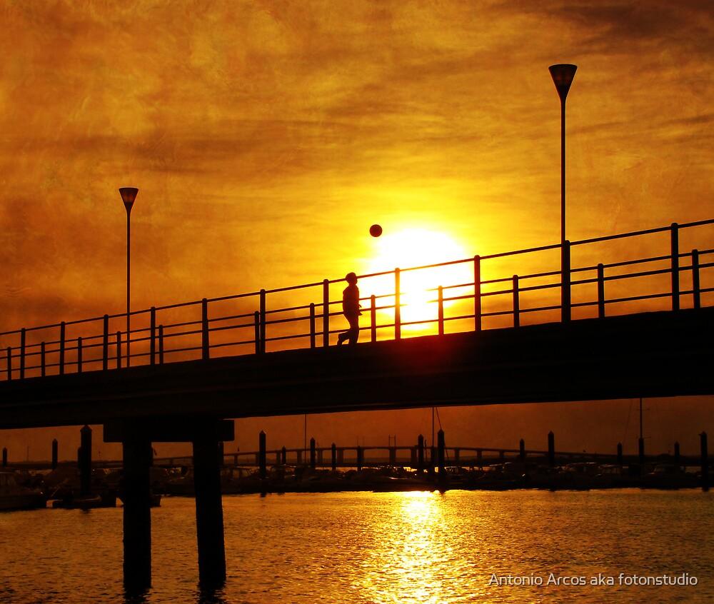 Kid,Ball,Sun&Bridge. by Antonio Arcos aka fotonstudio