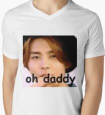 "NCT Johnny ""oh daddy"" meme Men's V-Neck T-Shirt"