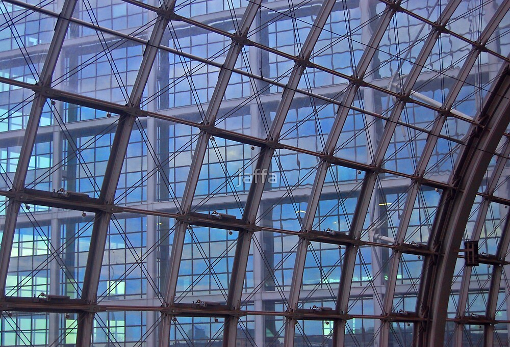 Hauptbahnhof by jaffa