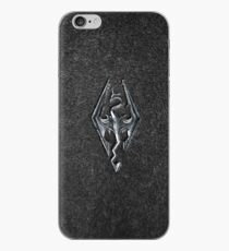 Skyrim Logo - Eisen geprägt in Granit iPhone-Hülle & Cover