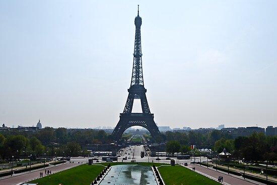 Eiffel Tower by DavidAlonso
