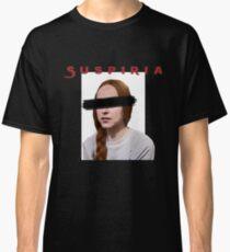 Suspiria mit Text Classic T-Shirt