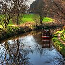Narrowboat on the Union Canal by Tom Gomez