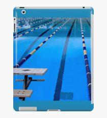 Schwimmbad - blau und cool iPad-Hülle & Skin
