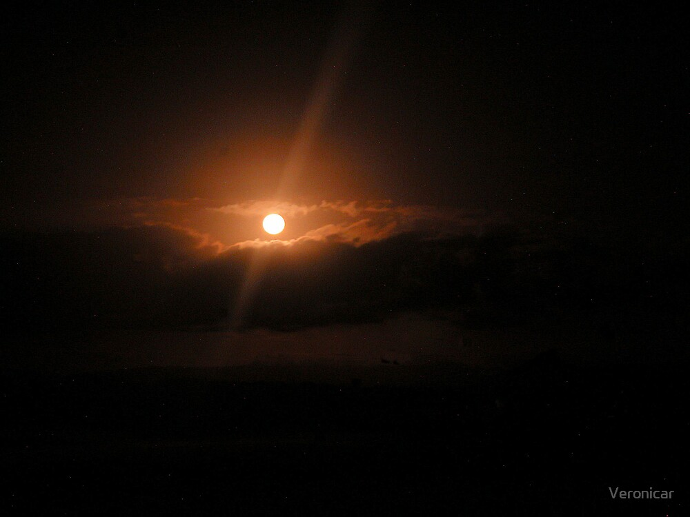 'Full Moon' by Veronicar