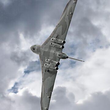 Pulling G - Vulcan - Valedation Display - Farnborough 2014 by Arrowman