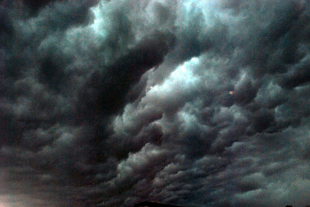 Stormy Skies by mekea