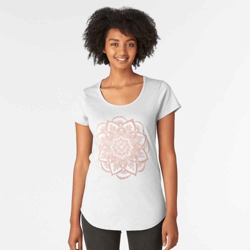 Blumenmandala auf Rosengold Premium Rundhals-Shirt