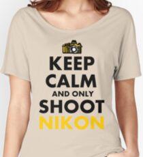 Behalten Sie Ruhe und schießen Sie nur Nikon Loose Fit T-Shirt
