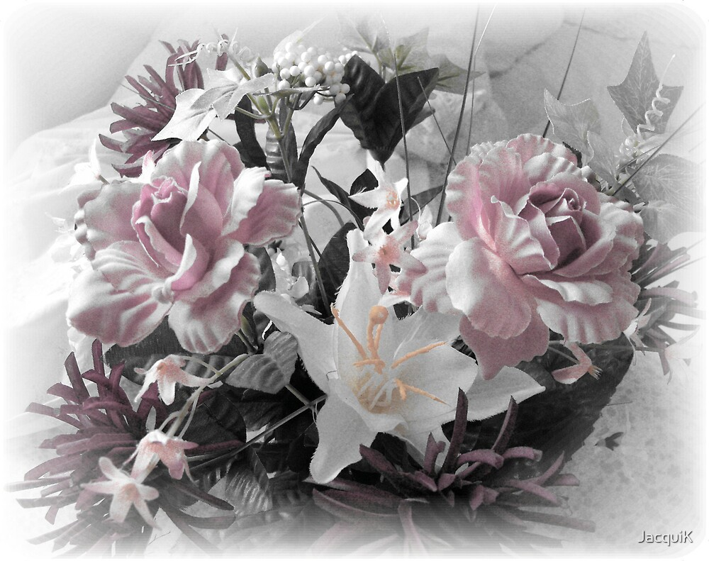 Soft Roses by JacquiK