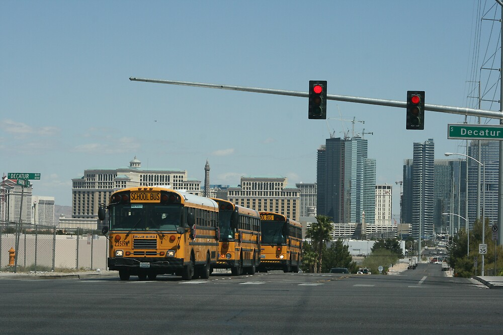 Busses in Sin City by susannecorrea