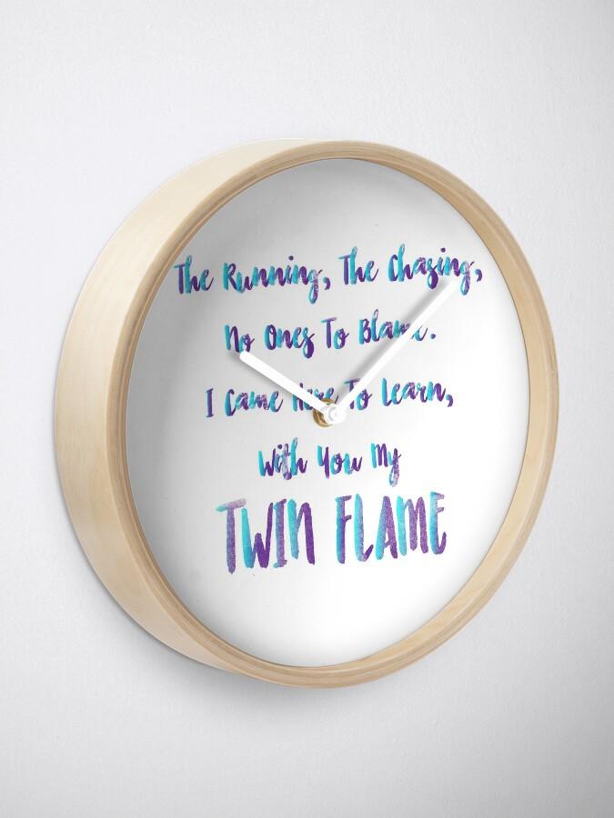 Alternative Ansicht von Zwillingsflammenunterricht Uhr