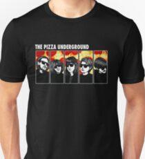 Die Pizza unter der Erde Unisex T-Shirt