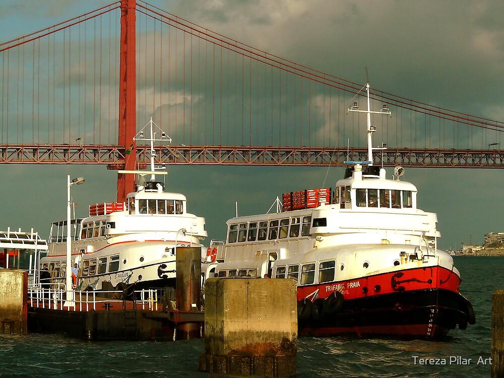 CACILHEIROS. river boat by terezadelpilar ~ art & architecture