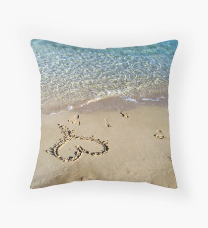 My heart is at the beach Throw Pillow