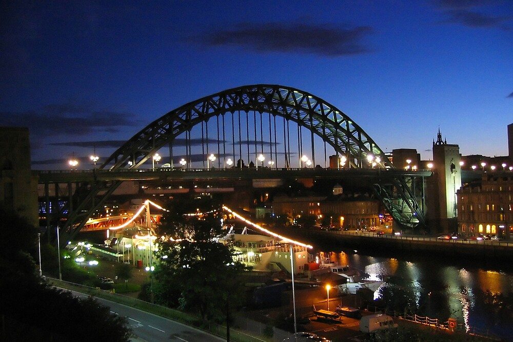 The Tyne by Night by robbyarris