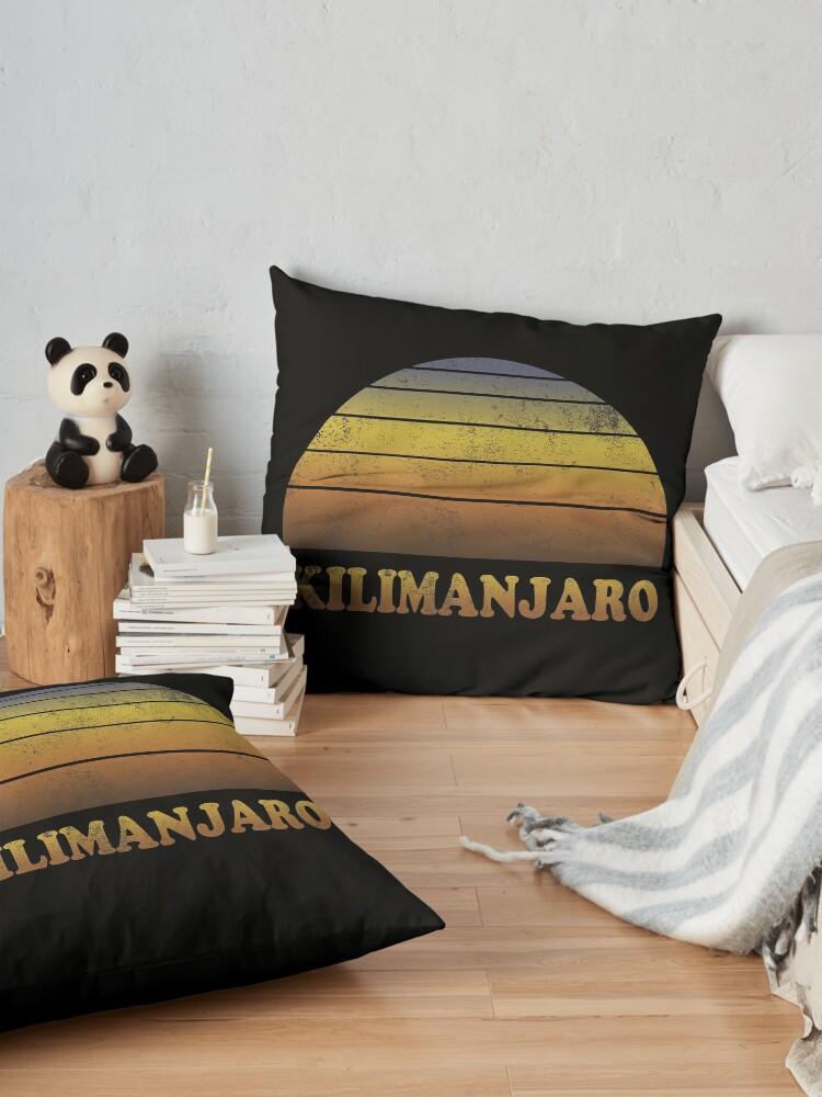 Alternative Ansicht von Vintage Kilimanjaro Sonnenuntergang Shirt Bodenkissen