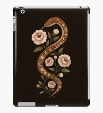 Serpent spells iPad Case/Skin