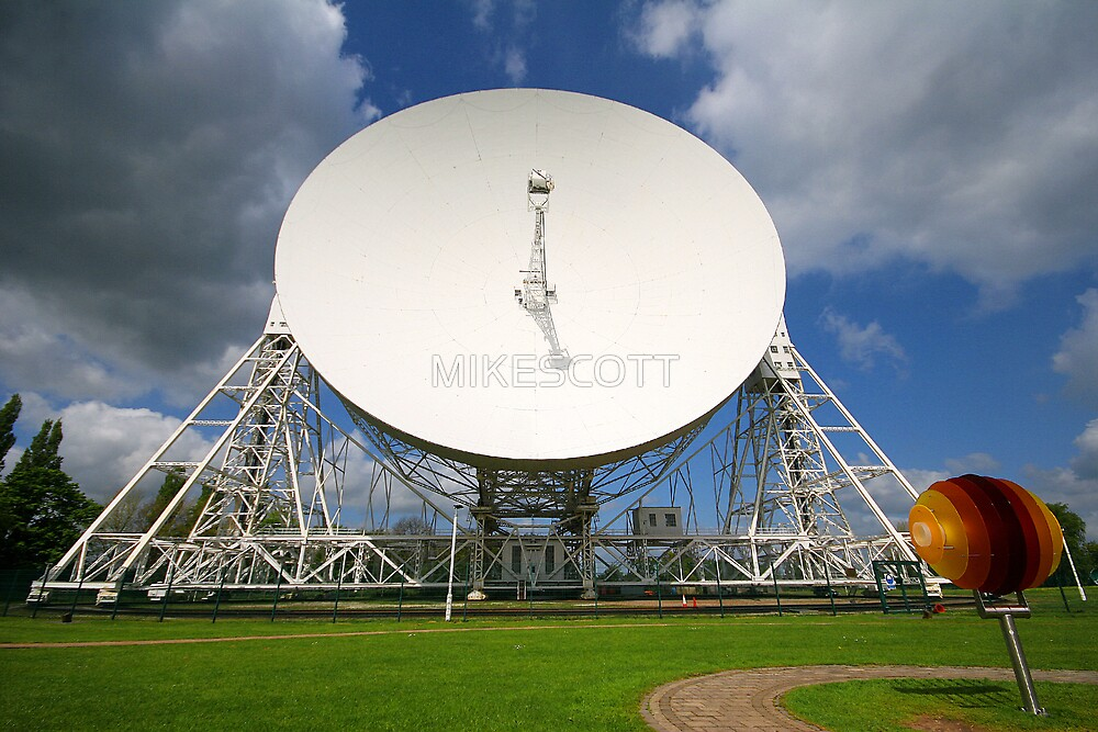 LOVELL RADIO TELESCOPE by MIKESCOTT
