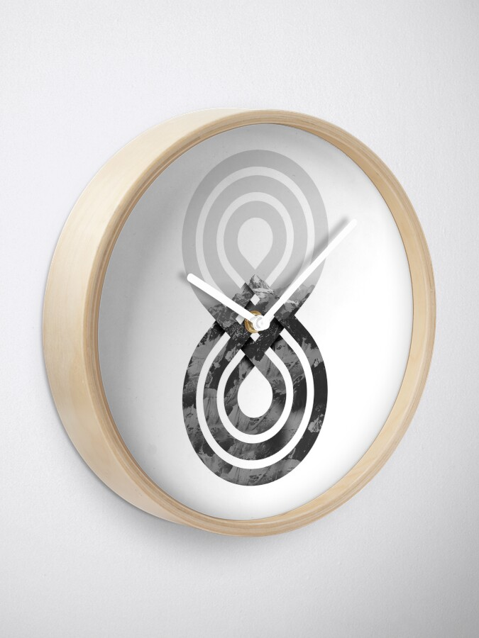 Alternate view of Nature's knot Clock