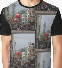 BT Tower aus China Town, London Grafik T-Shirt