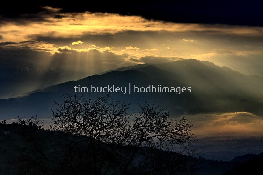 mountain sunrise. kullu valley, northern india by tim buckley   bodhiimages