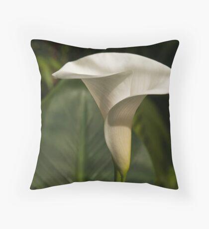 cala lily Throw Pillow