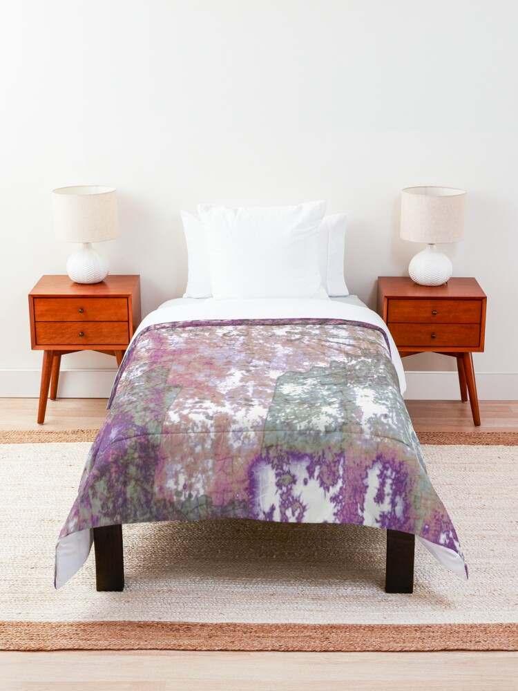 Alternate view of Mauve Grunge Crackle Comforter