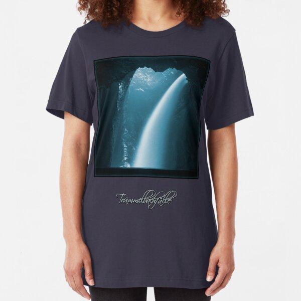 Trümmelbachfälle: cyan 2 (T-Shirt) Slim Fit T-Shirt