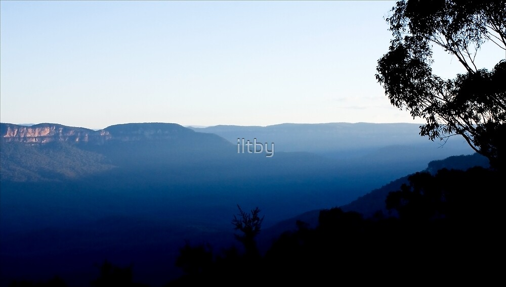 Truly Blue Mountains by iltby