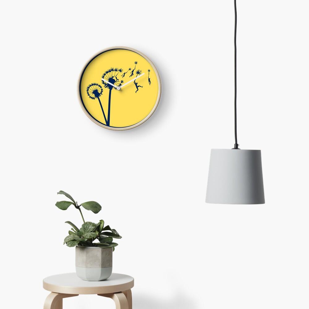 Dandylion Flight - Reversed Circular Clock