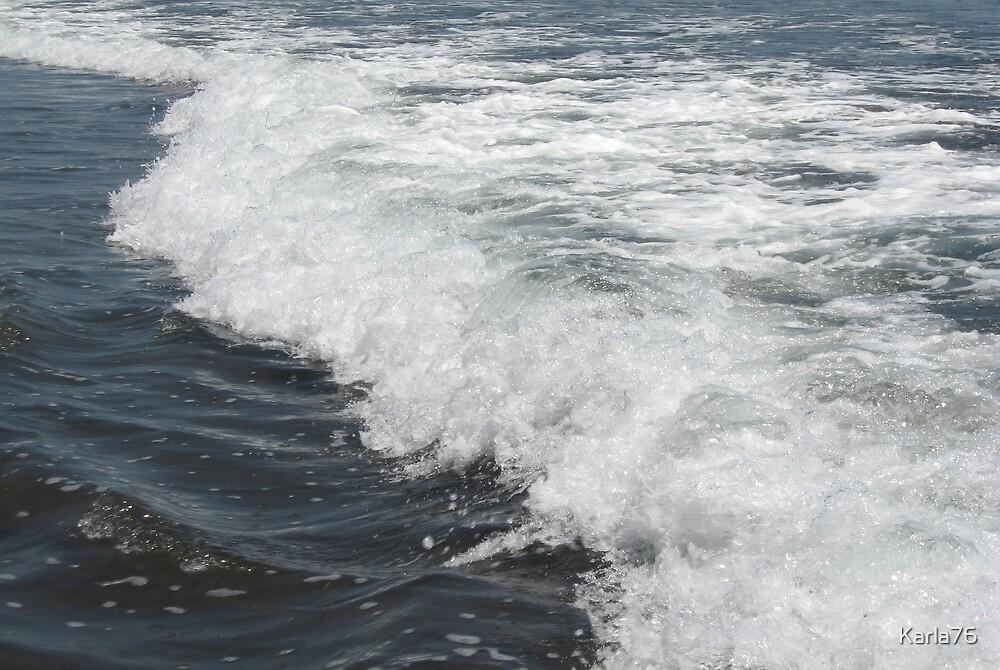 Waves at Zunzal Beach, El Salvador by Karla76