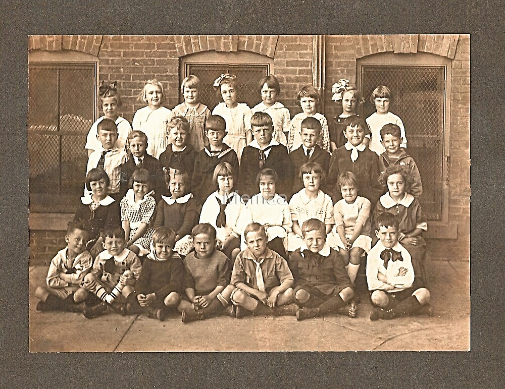 My Mom's First Grade Class Photo  by Memaa