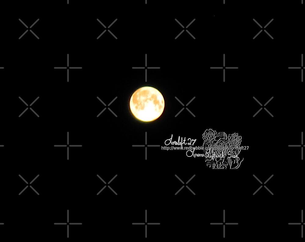 full moon by LoreLeft27