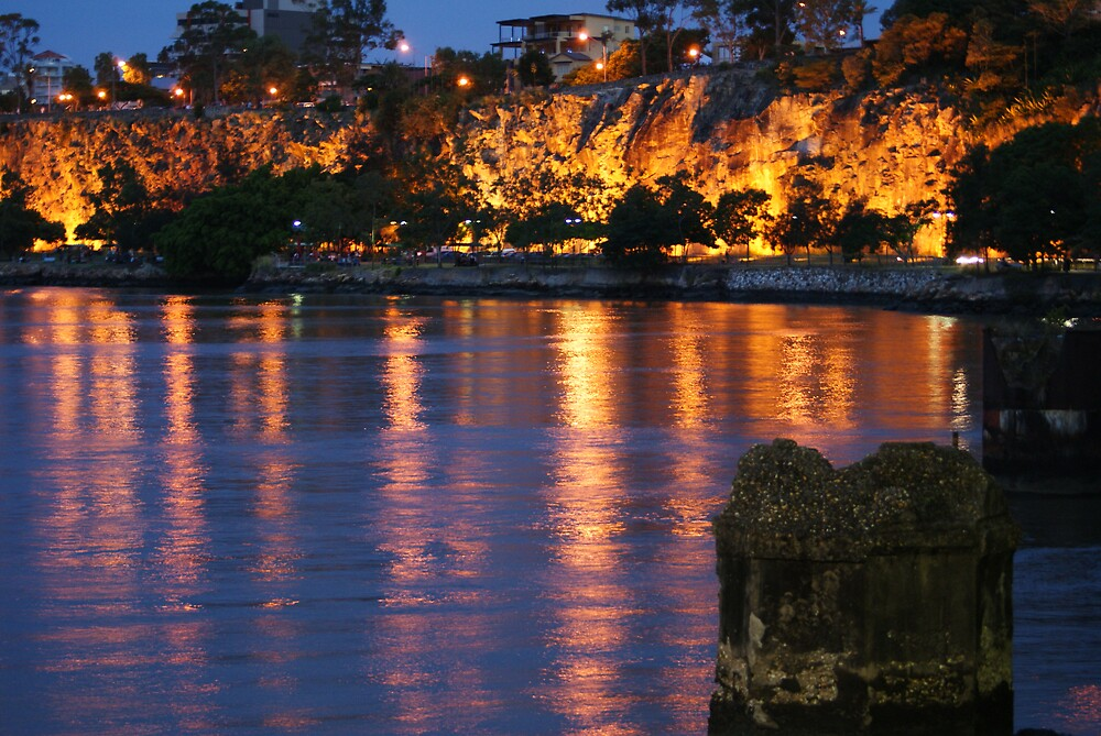 kangaroo point cliffs @ night by ncmattson