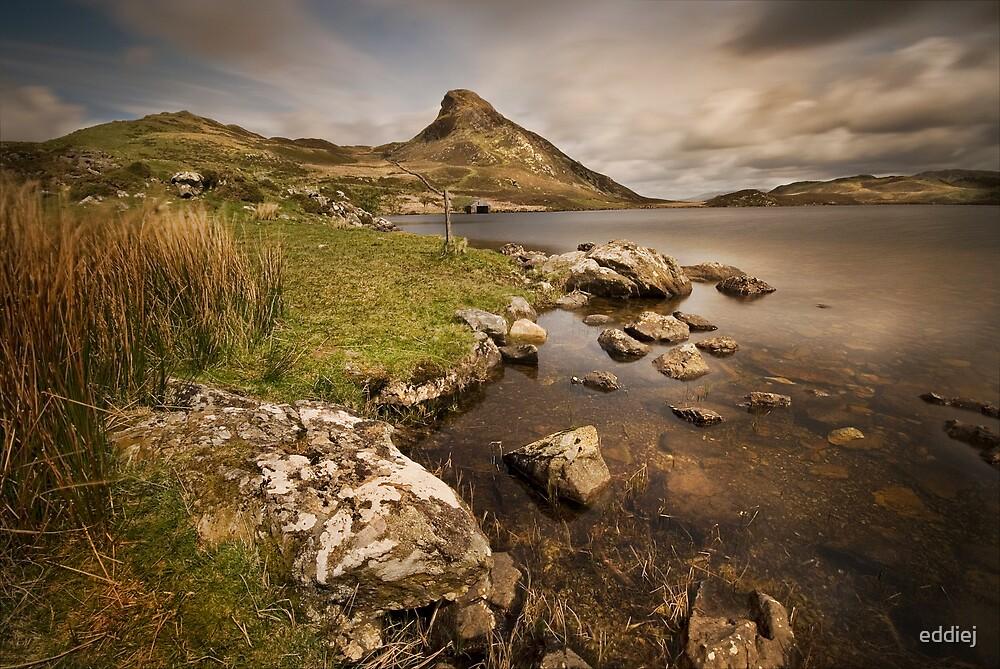 Llyn Cregennen - Main lake by eddiej
