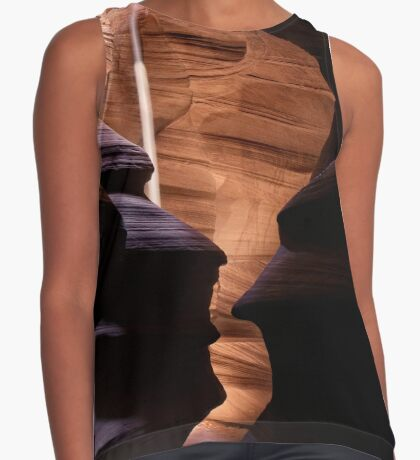 Shapes and The Light Beam Contrast Tank