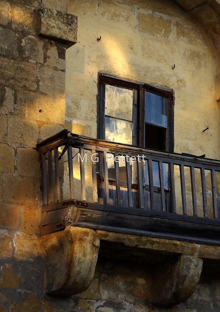 Balcony detail by M G  Pettett