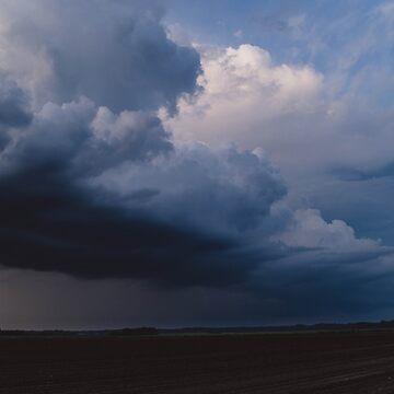 Summer Storm by lindsayosborne
