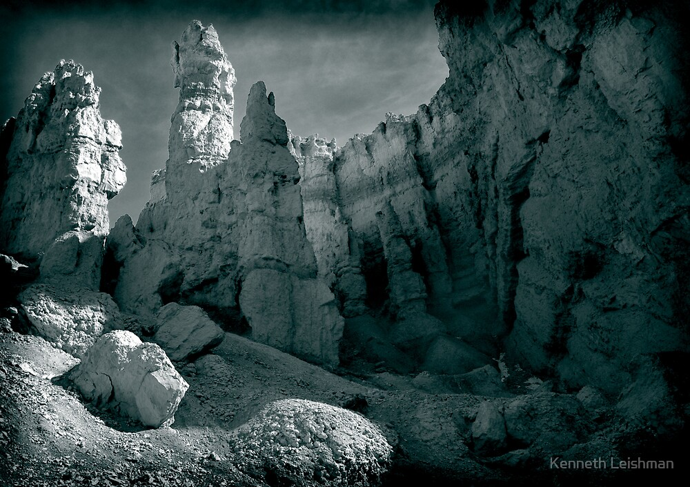Zion, Utah by Kenneth Leishman