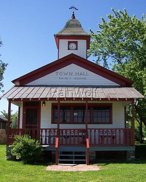 Red Oak Town Hall by RainWolf